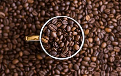 72% des Canadiens de 18 à 79 ans consomment plus de café que d'eau