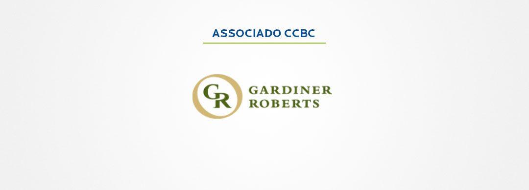 Gardiner Roberts esclarece exigência de residente para empresas em Ontário